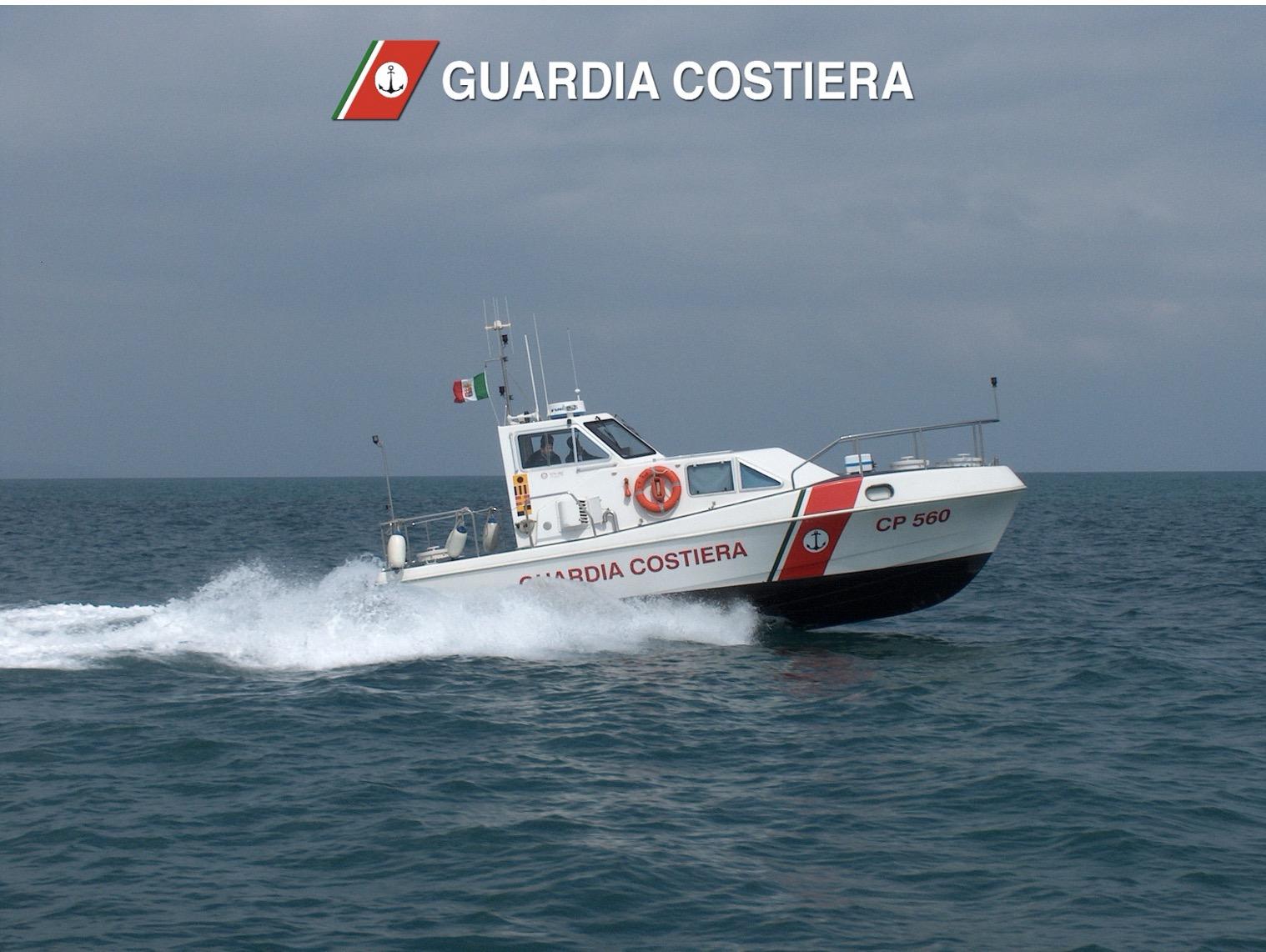 """TITOLO: Unità da diporto ancorata all'interno della zona """"C"""" dell'Area Marina Protetta dell'Isola dell'Asinara. Denunciato il comandante"""